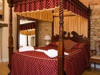 Супериорна двойна стая с легло с балдахин (Superior Double Room with Four Poster Bed)