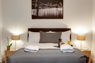 Base Serviced Apartments - Cumberland Street