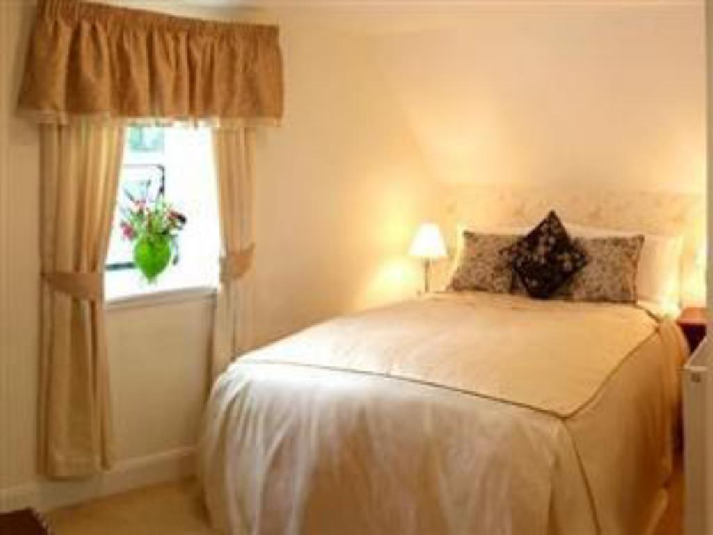 Standard Double - Guestroom White Waters Country Hotel