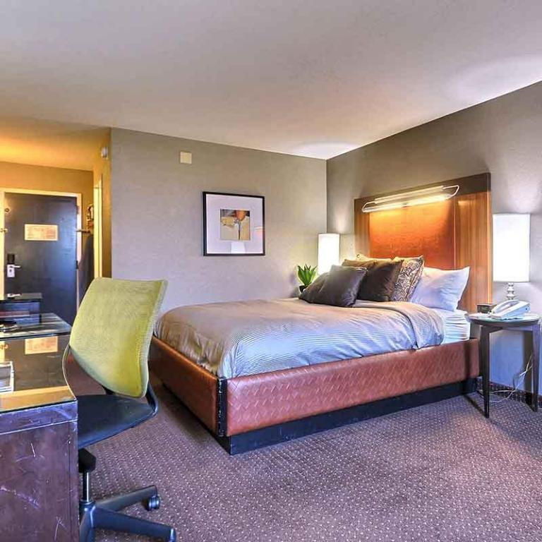 1 King Bed, Deluxe Room, Non-Smoking Travelodge by Wyndham Memphis