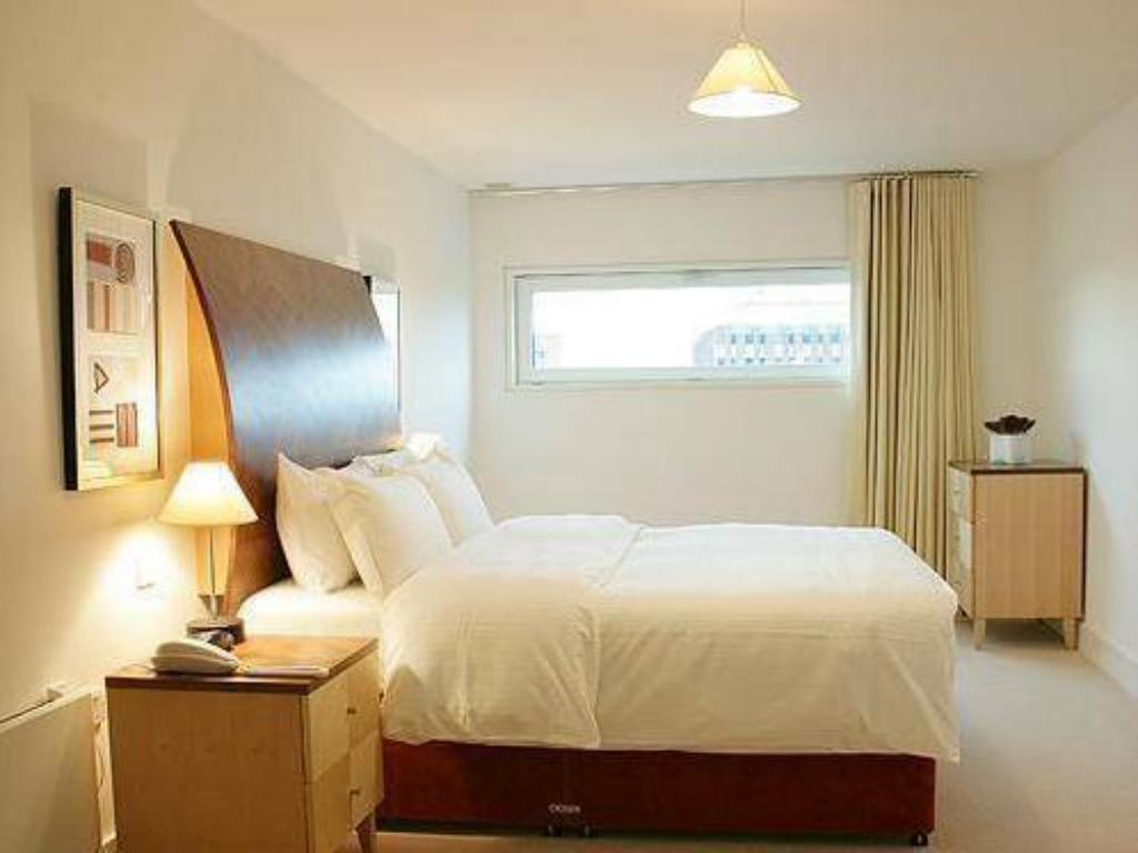 Marlin Apartments Queen Street - The City, London - Room ...
