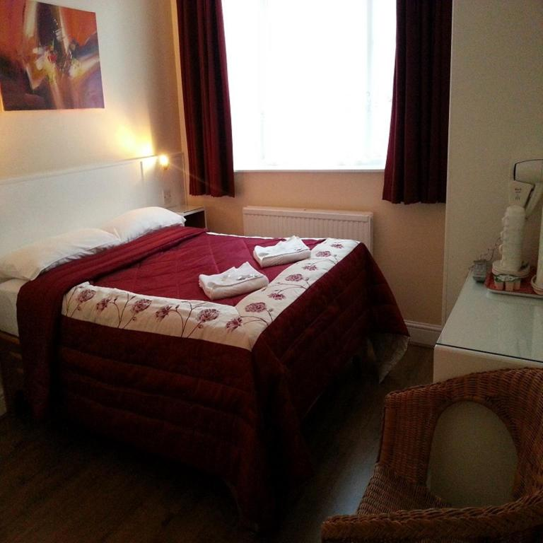 Double Room En-Suite Melbourne House Hotel