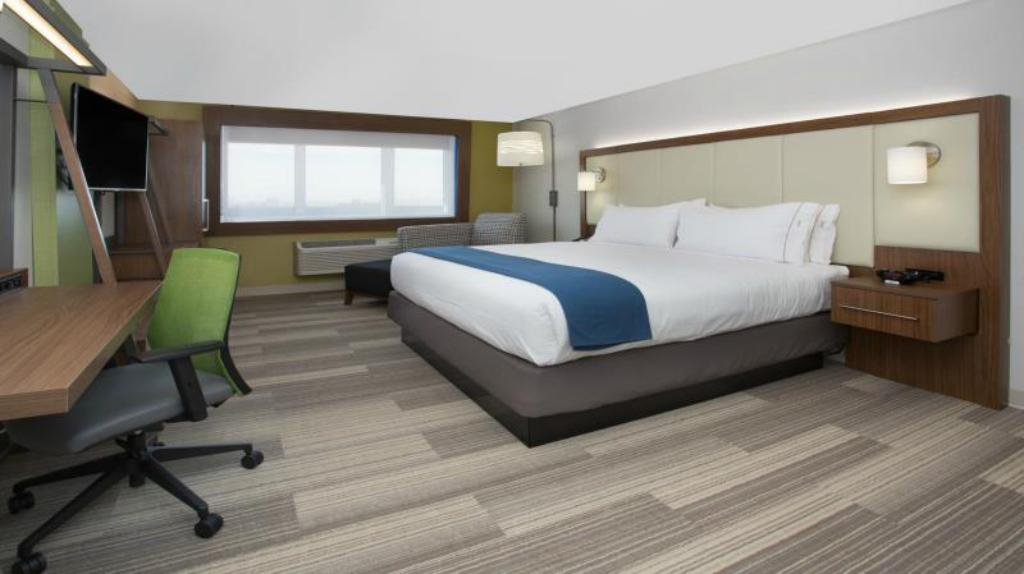 More about Holiday Inn Express Williamsbrg Busch Gardens Area