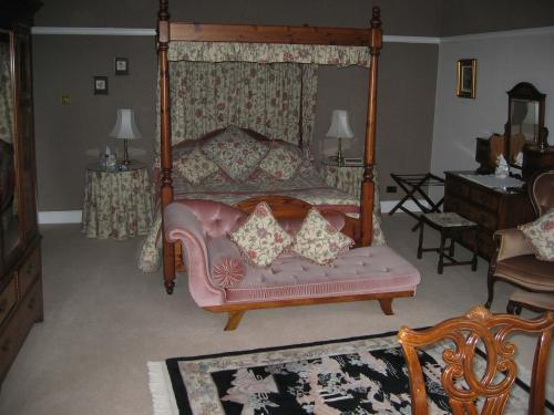 King-Size Four-Poster with En Suite