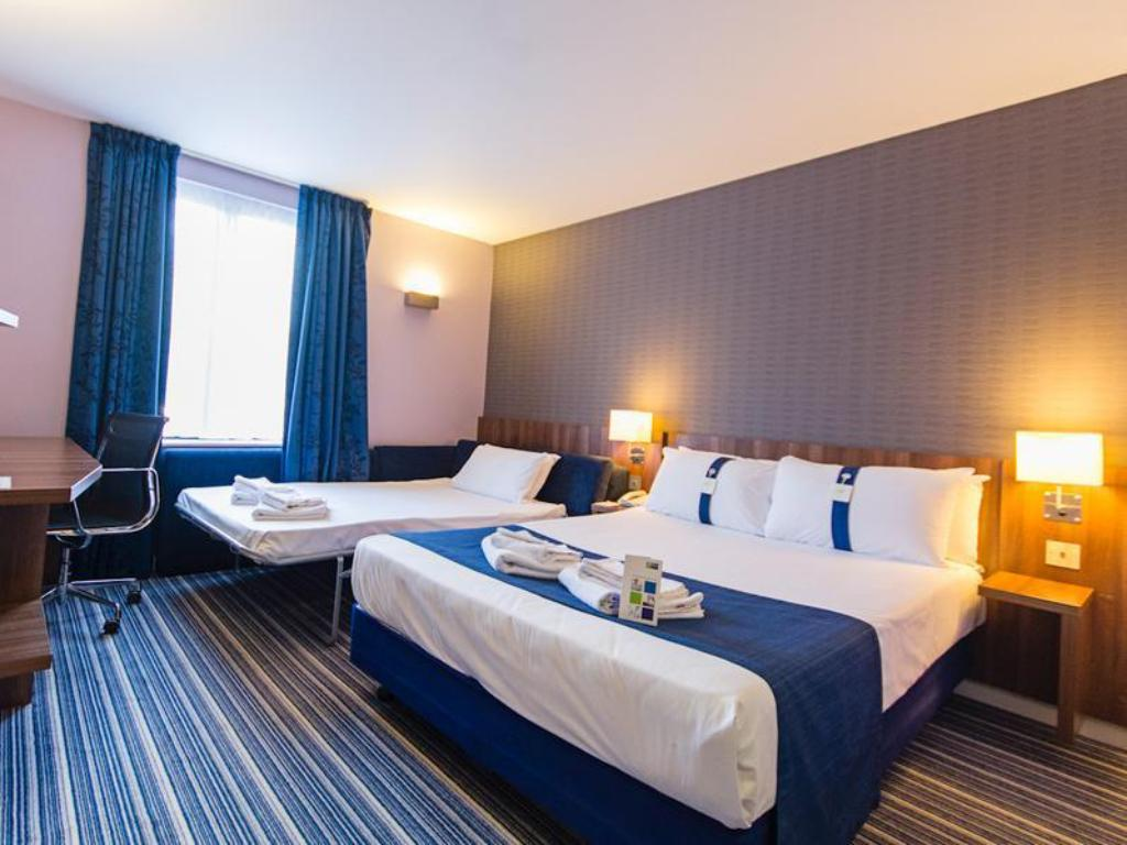 Doppel mit Schlafsofa Holiday Inn Express Poole
