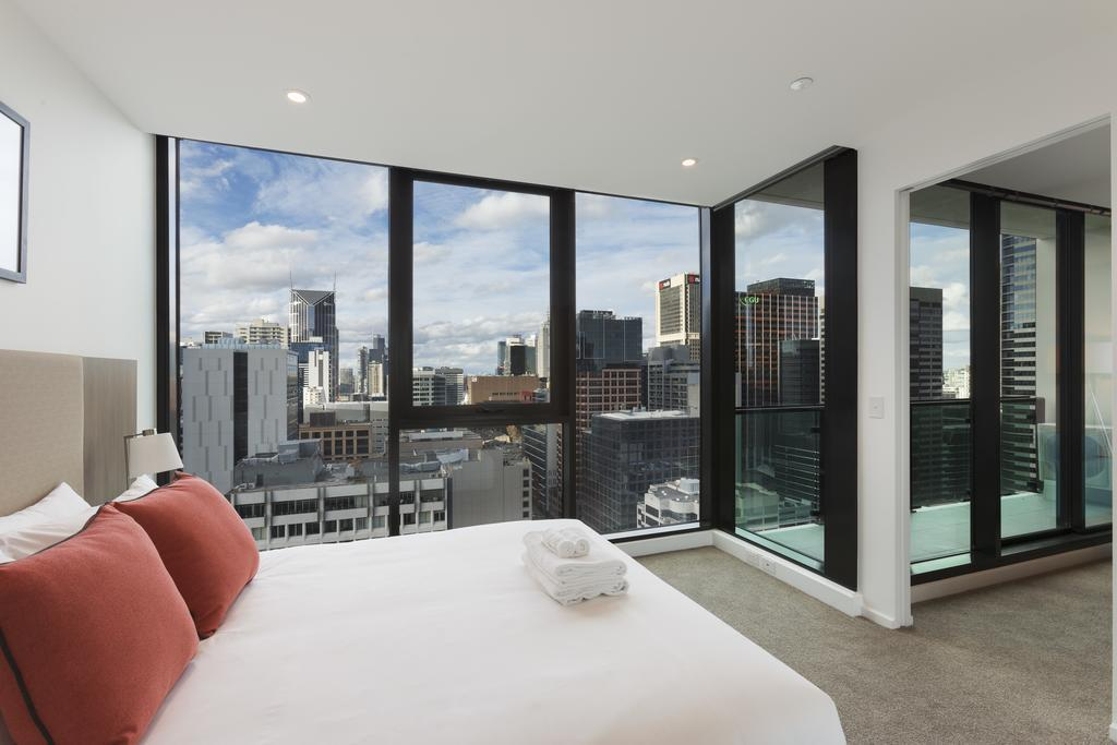 best price on melbourne short stay apartments on lonsdale. Black Bedroom Furniture Sets. Home Design Ideas