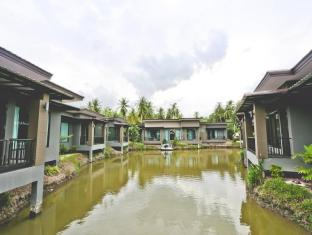 Thada Amphawa Resort