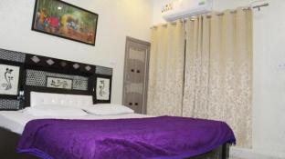 Hotel Sunset Orchha (Pet-friendly)
