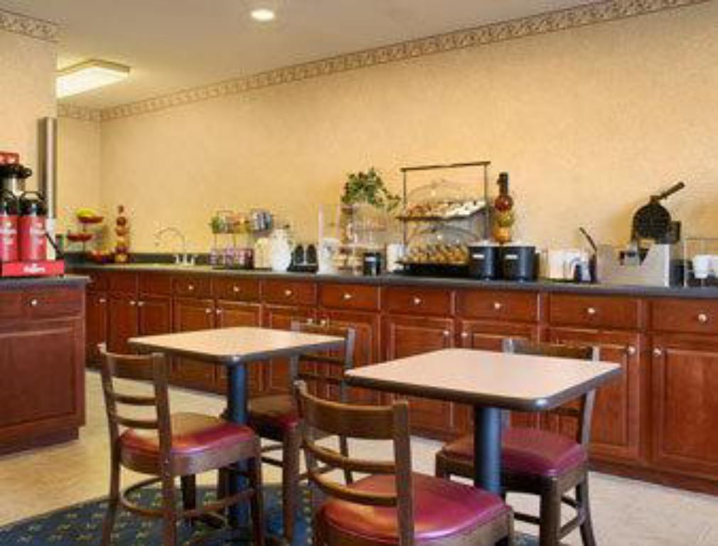 אוכל ומשקאות Red Roof Inn & Suites Cleveland, TN
