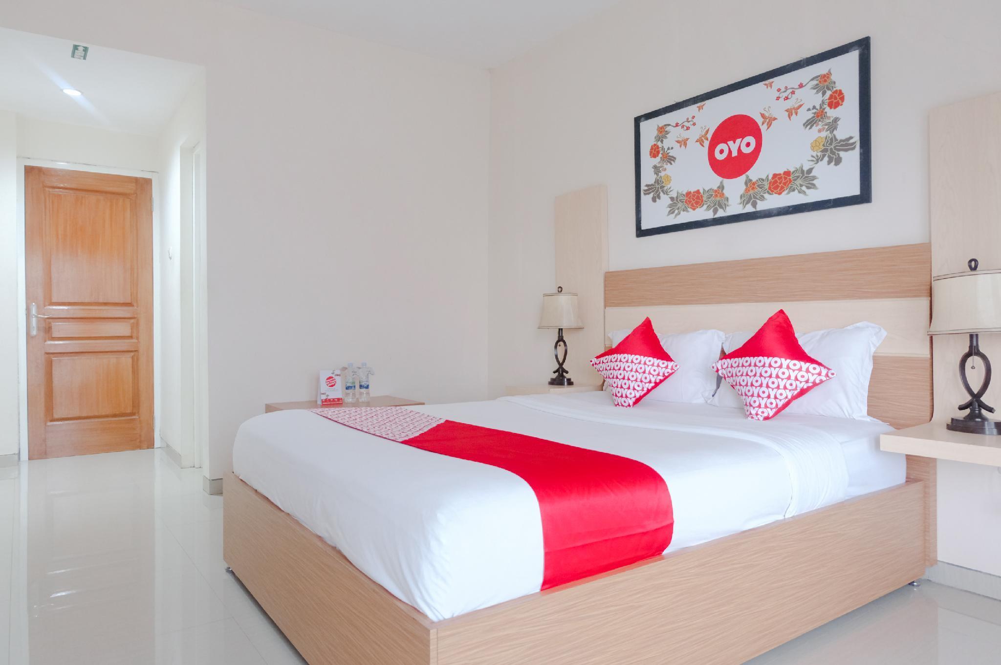 Oyo 696 Hasanah Guest House Syariah De Saphire Malang Booking Deals Photos Reviews