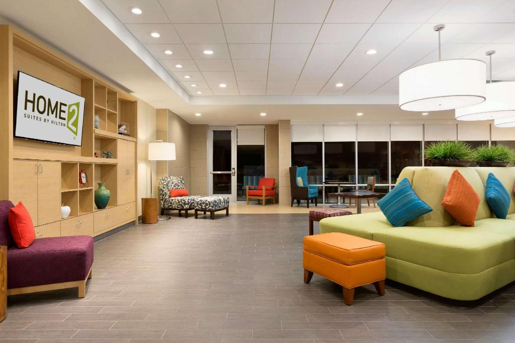 Lobby Home2 Suites by Hilton Stillwater