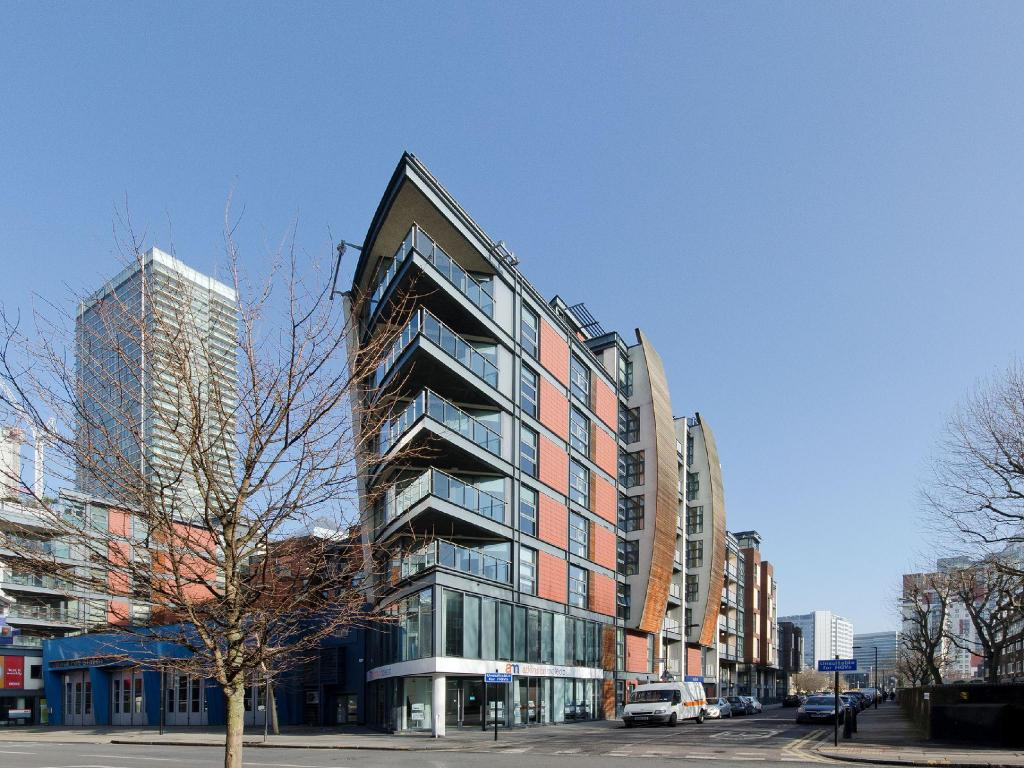 Marlin Apartments Canary Wharf in London - Room Deals ...