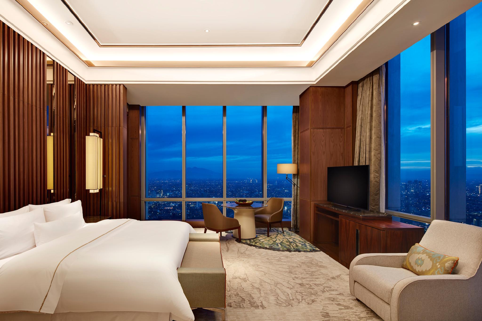 Presidential Suite, Club lounge access, Suite, 1 King