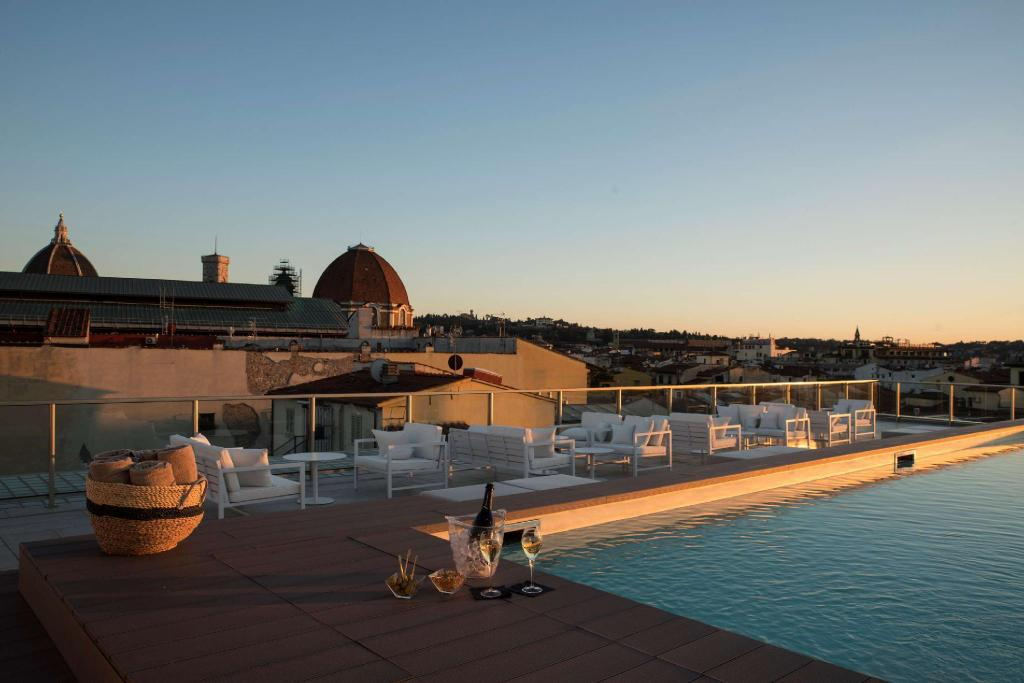 Piscina al aire libre Glance Hotel In Florence