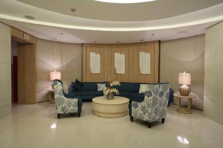 Lobby USP Suites at SHELL Residences