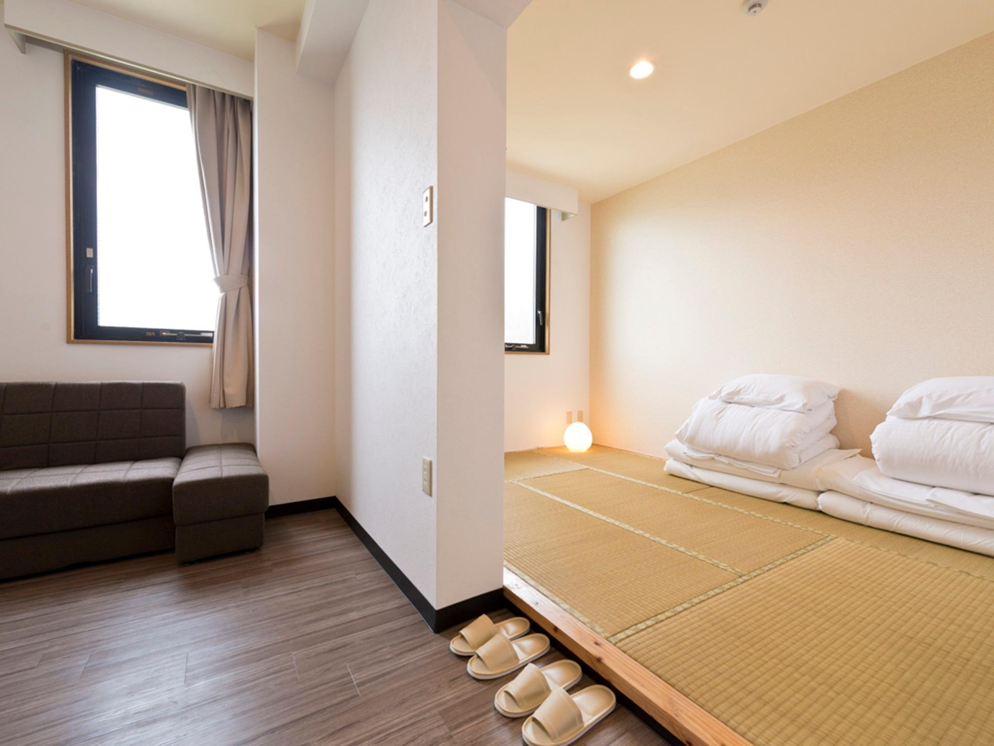 natural japanese are into the floor house world like material distinct have tatami basket but market this raw homes from permeating i a walking mats floors most bed designpunk made bedroom smell