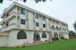 Hotel Apano Rajasthan & Holiday Resort