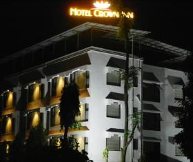 OYO 6829 Hotel Crown Inn