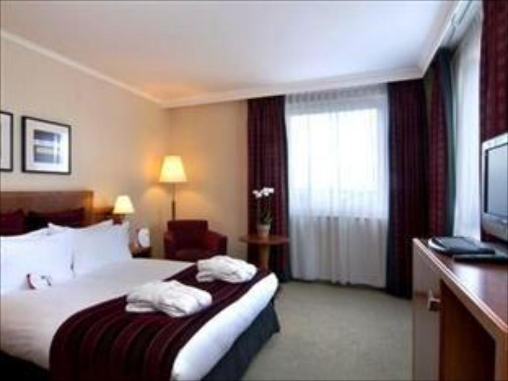 See all 48 photos Crowne Plaza Hotel Hamburg - City Alster