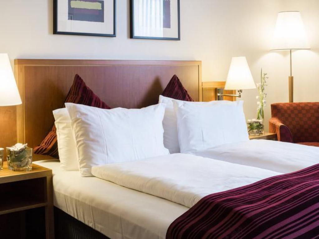 Standard Room Double Or Twin Bed - Seng Crowne Plaza Hotel Hamburg - City Alster