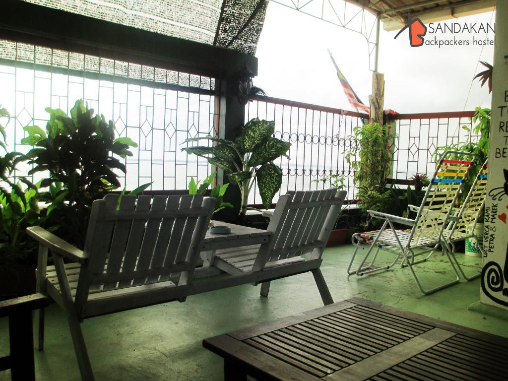 Balcony/terrace Sandakan Backpackers Hostel