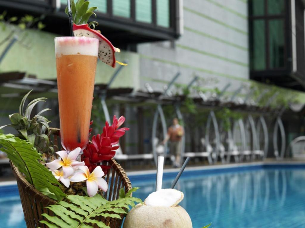Swimming pool The Gardens - A St Giles Signature Hotel & Residences Kuala Lumpur