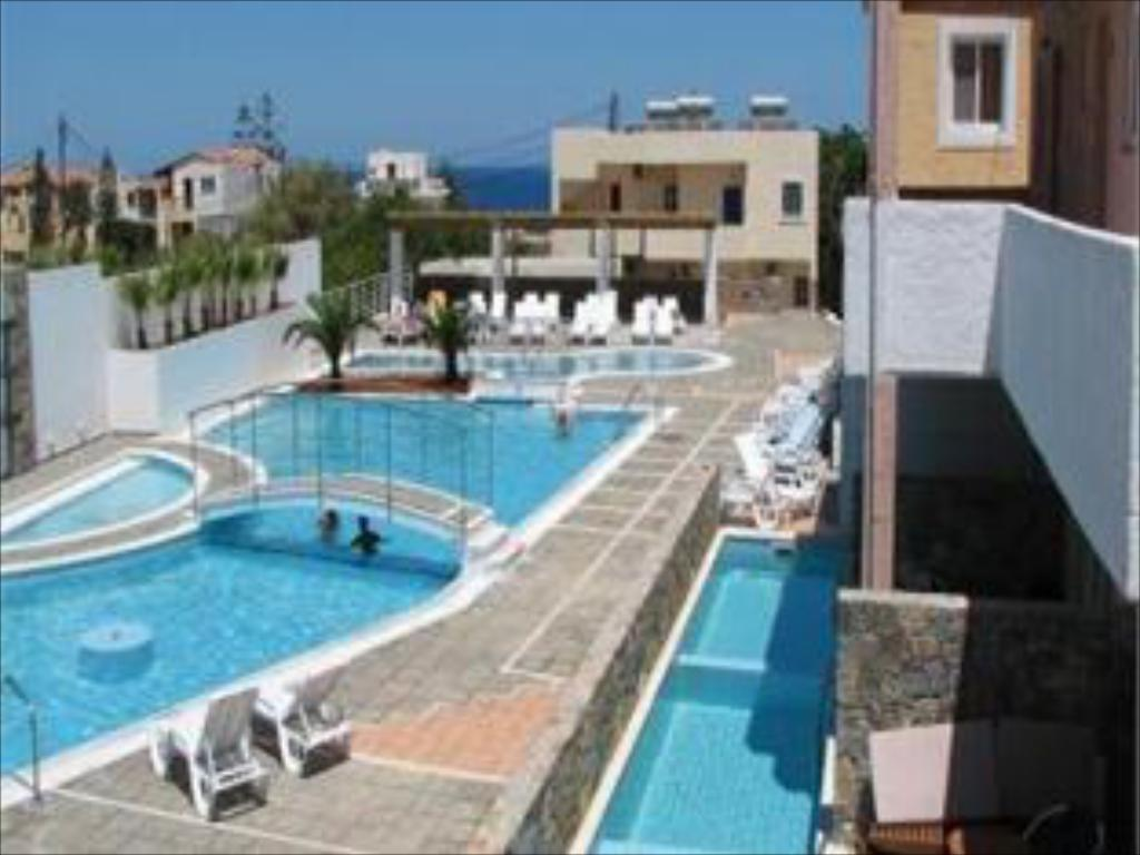 Swimmingpool Hotel Sissi Bay And Wellness Club