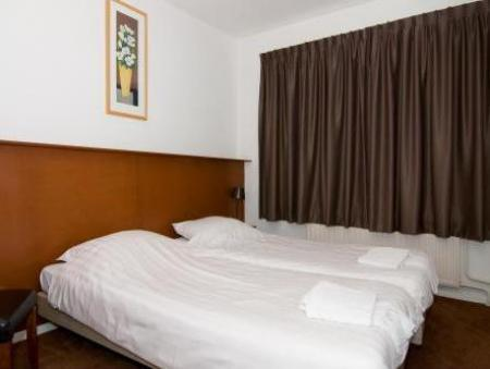 Single Room with Shared Bathroom Hotel Cafe Restaurant Abina