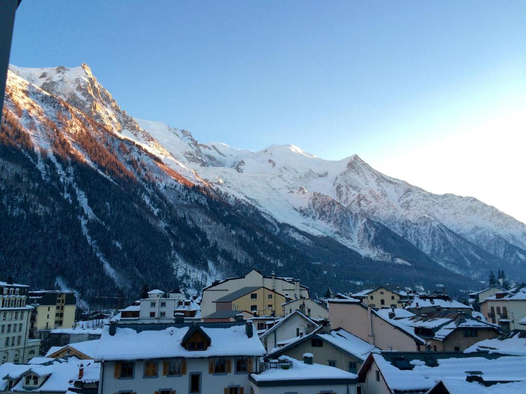 Best price on alpina hotel in chamonix mont blanc reviews for Hotels chamonix