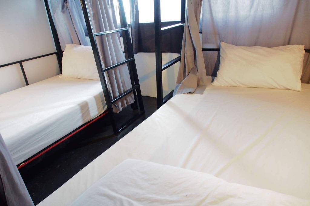 Just You Etagenbett : Das sleepaholic hostel in ayutthaya buchen
