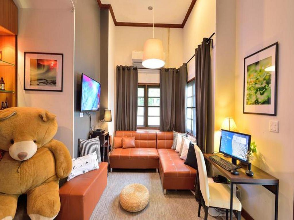 Lost And Found in Bangkok - Room Deals, Photos & Reviews