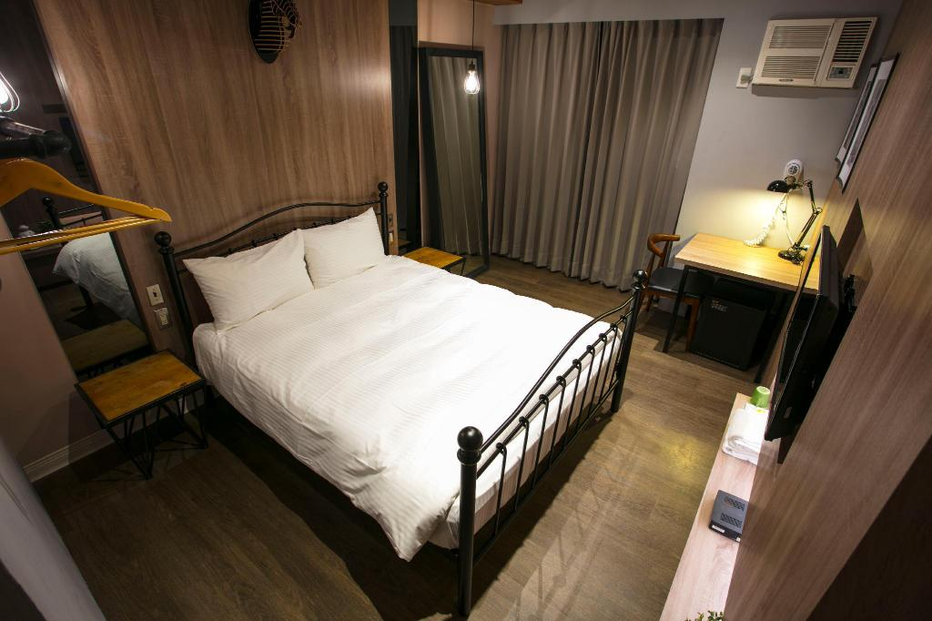 Classic Double - Room plan Taichung Loft Hostel (Fengjia)