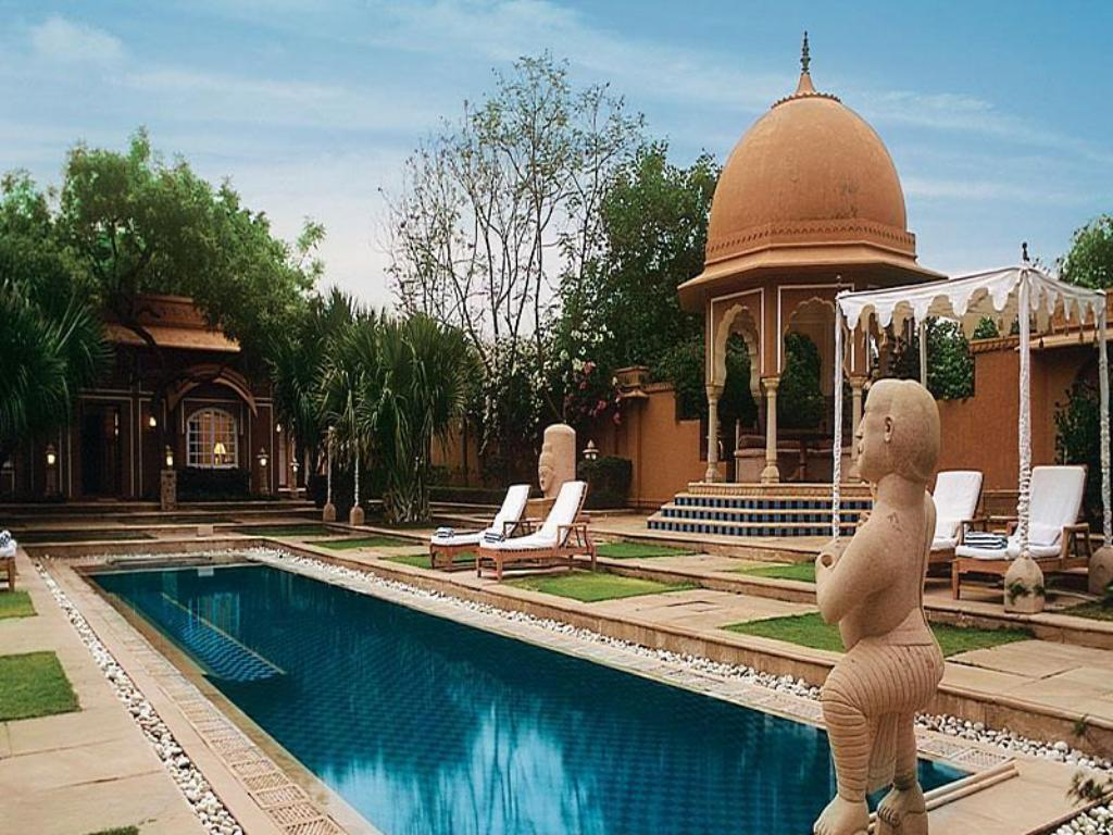 Swimming pool The Oberoi Rajvilas Jaipur Hotel