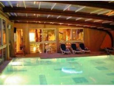 Swimming pool Hotel Gil De France