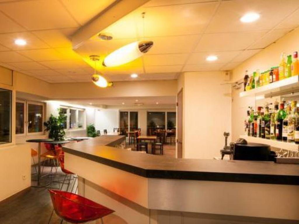 Hotel Mister Bed Bourgoin Jallieu In France Room Deals Photos