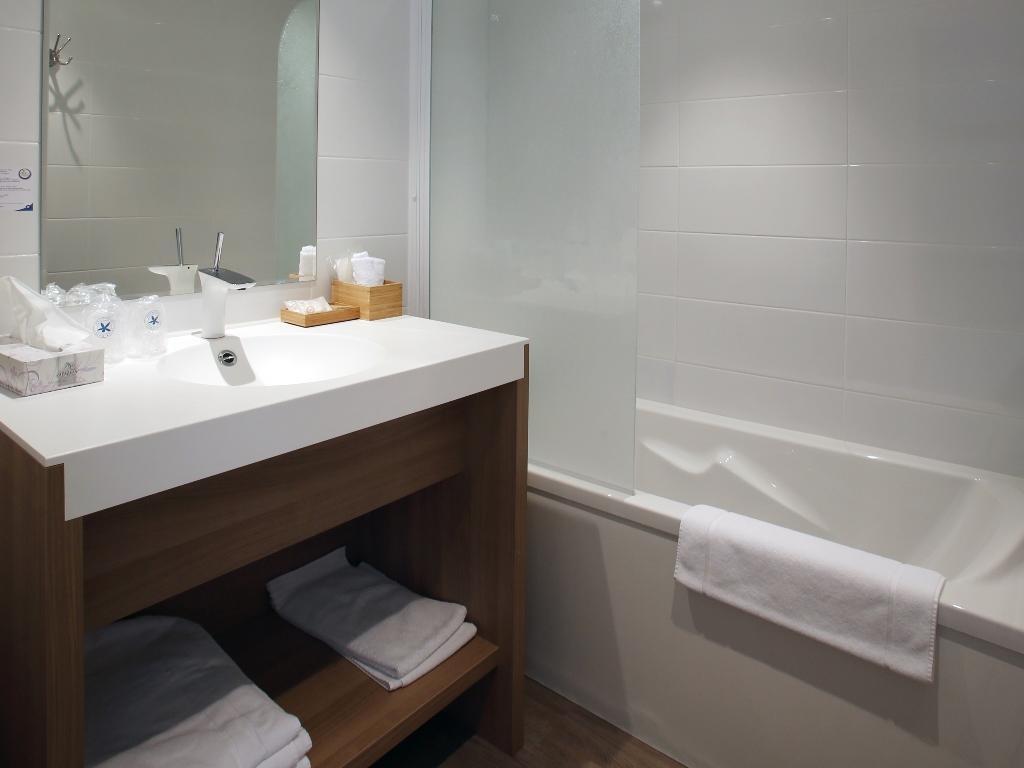 Armoire Salle De Bain Cdiscount ~ inter hotel montpellier sud neptune p rols offres sp ciales pour