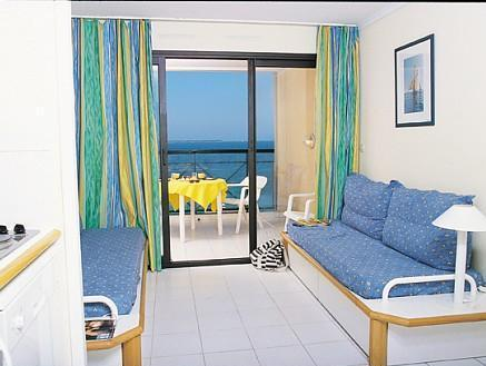 Standard Studio with Sea View (4-5 People)