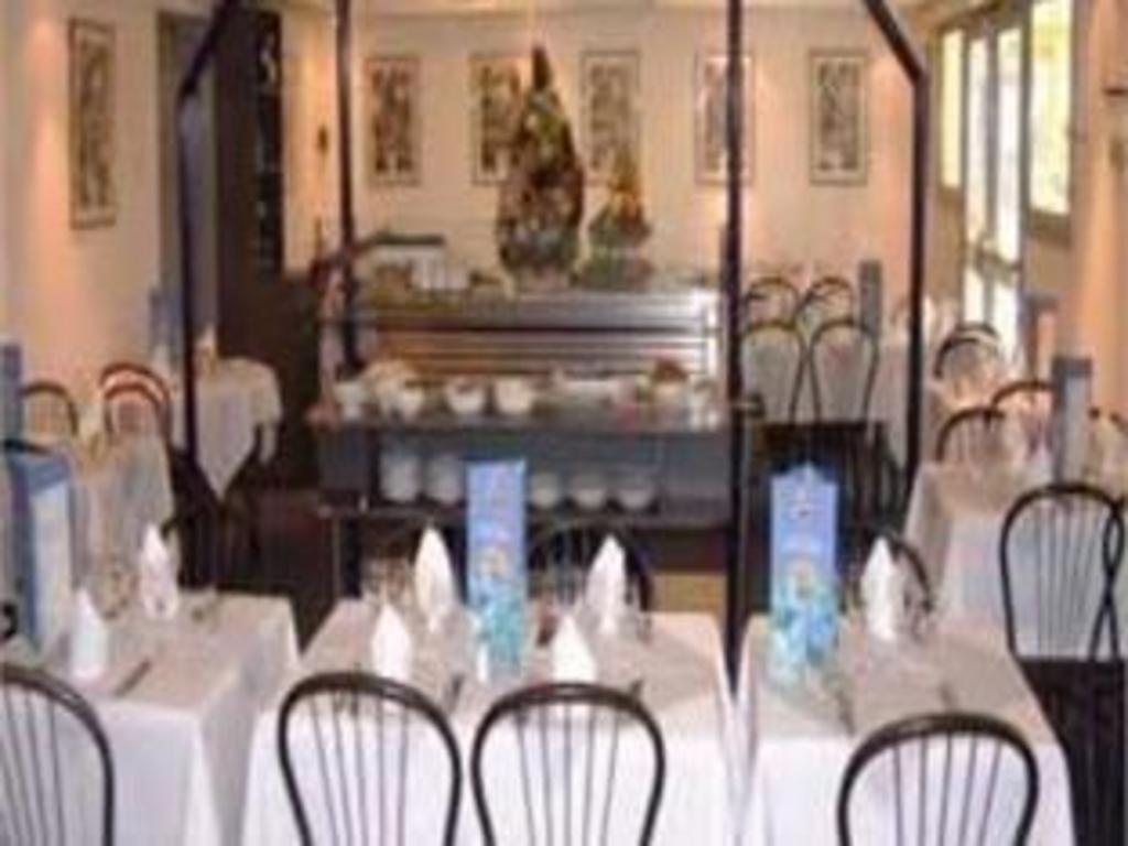 Best price on h tel balladins amiens longueau in for Restaurant longueau