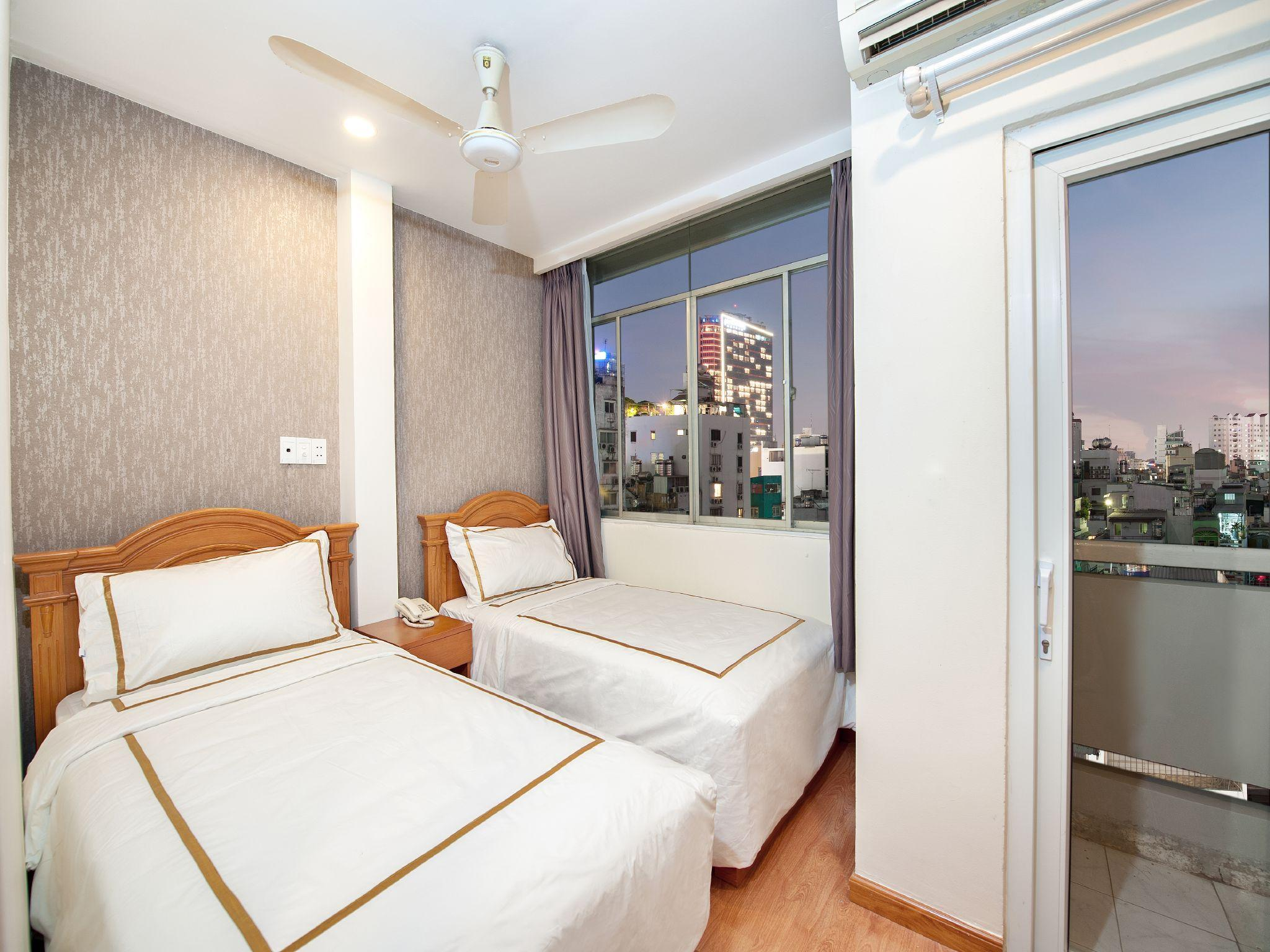 Deluxe Twin Room with Balcony