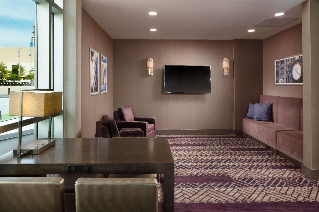 Interior view Embassy Suites by Hilton Charlotte Uptown