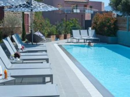 Swimming pool Le Golfe & Spa Bio Casanera Hotel