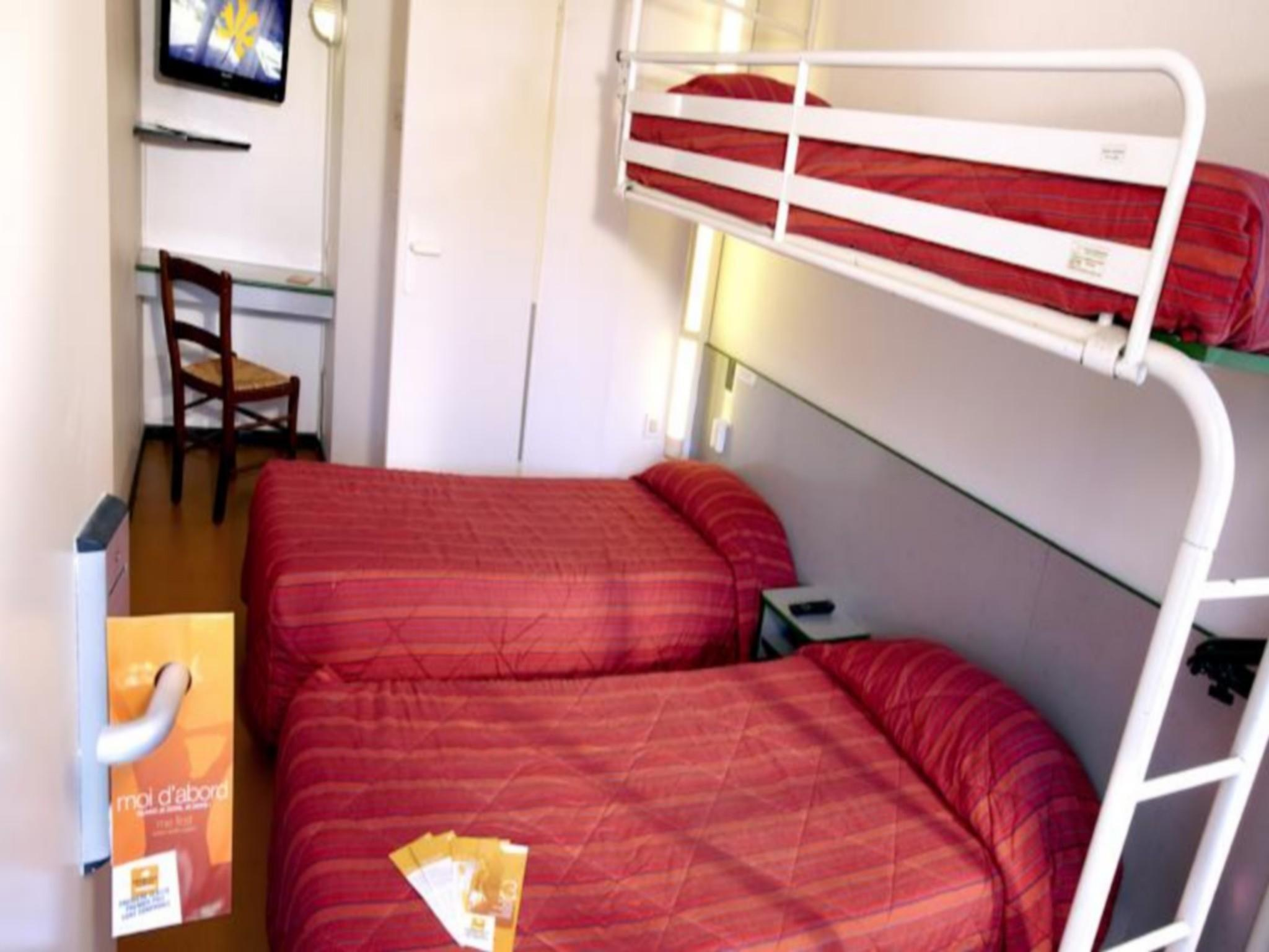 Triple Room - 3 Single Beds
