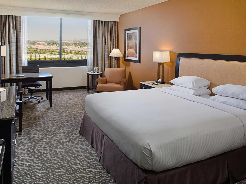 חדר שינה DoubleTree by Hilton Hotel Anaheim - Orange County