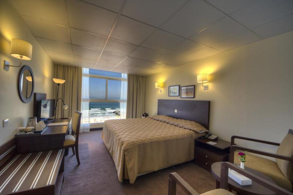 Standard Single Room - Guestroom Ajman Beach Hotel
