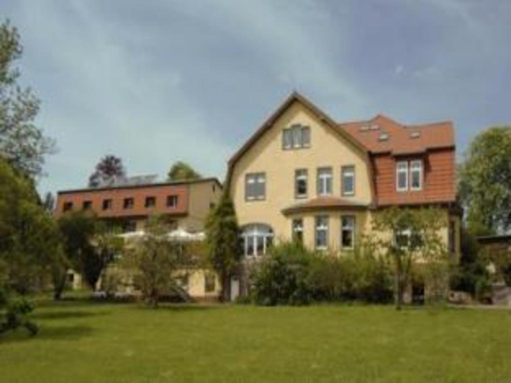 Mädel aus Herzberg (Elster)
