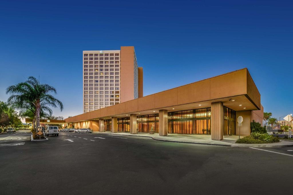 Doubletree By Hilton Hotel Anaheim