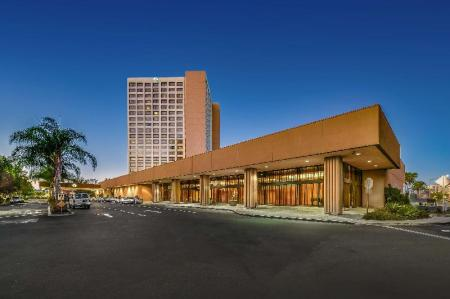 נוף חוץ DoubleTree by Hilton Hotel Anaheim - Orange County
