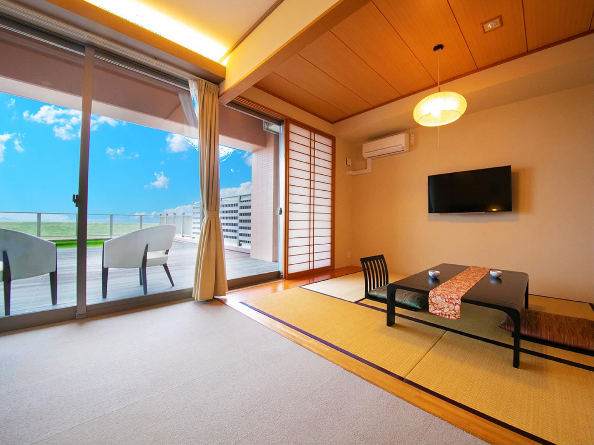 Japanese/Western-style Room with Terrace (Japanese-style Room + Twin Room, Barrier Free)