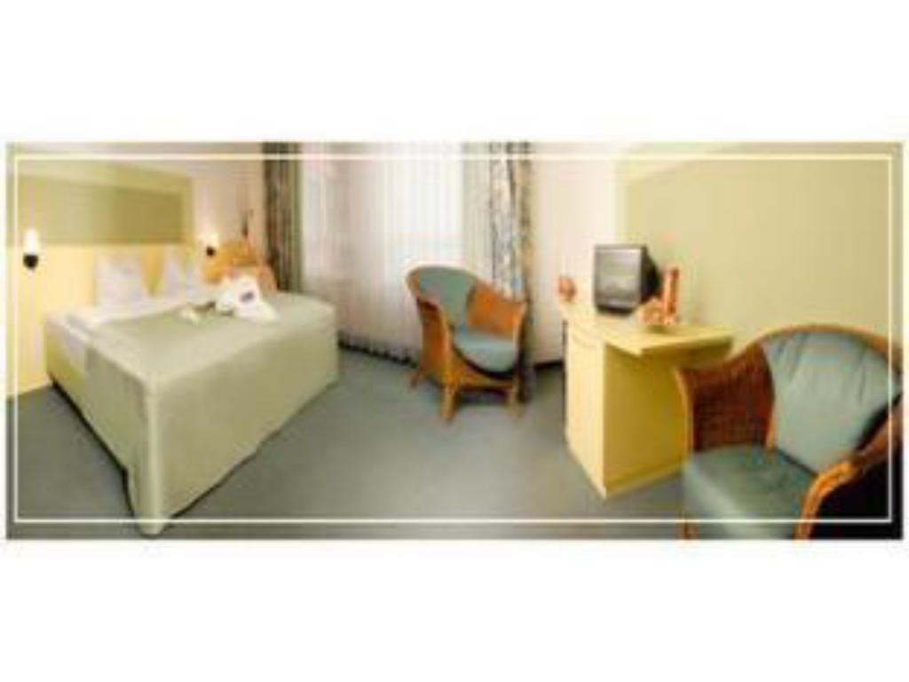 Double - Guestroom Hotel am Forum