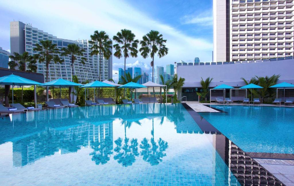 Swimming pool Pan Pacific Singapore (SG Clean Certified)